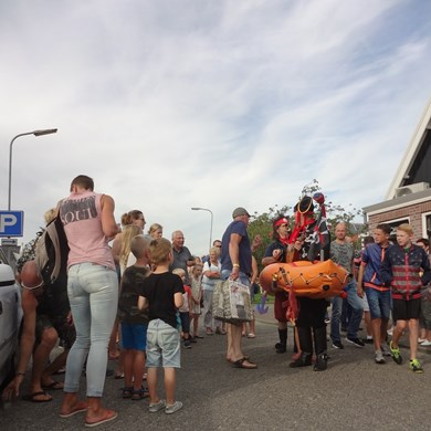 PIRATENBOOT 2016-09-10 Dirkshorn (09)v (1000x1000).JPG