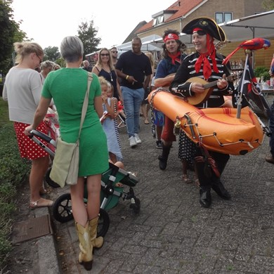 PIRATENBOOT 2016-09-10 Dirkshorn (19)v (1000x1000).JPG