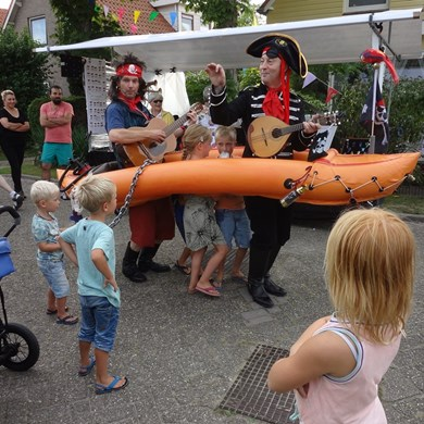 PIRATENBOOT 2016-09-10 Dirkshorn (60)v (1000x1000).JPG
