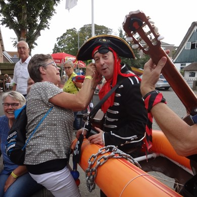 PIRATENBOOT 2016-09-10 Dirkshorn (118)v (1000x1000).JPG
