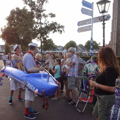 MATROZENBOOT 2016-08-27 Renesse (04)v (1000x1000).JPG
