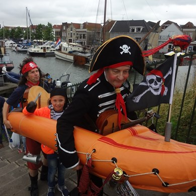 PIRATENBOOT 2017-07-01 Oud-Beijerland (61)v (1000x1000).JPG