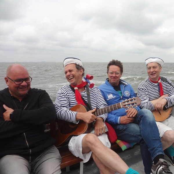 CAS & CO 2017-06-23 Den Helder Sail (12)vb (1000x1000).jpg