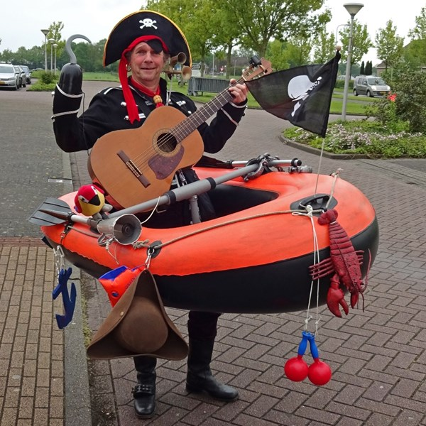 PIRATENBOOT solo 2018-05-10 (03)vb (1000x1000).jpg