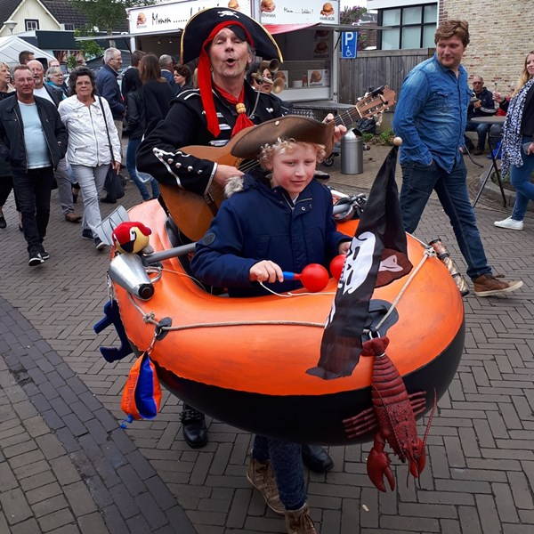 PIRATENBOOT solo 2018-05-10 (01)v (1000x1000).jpg