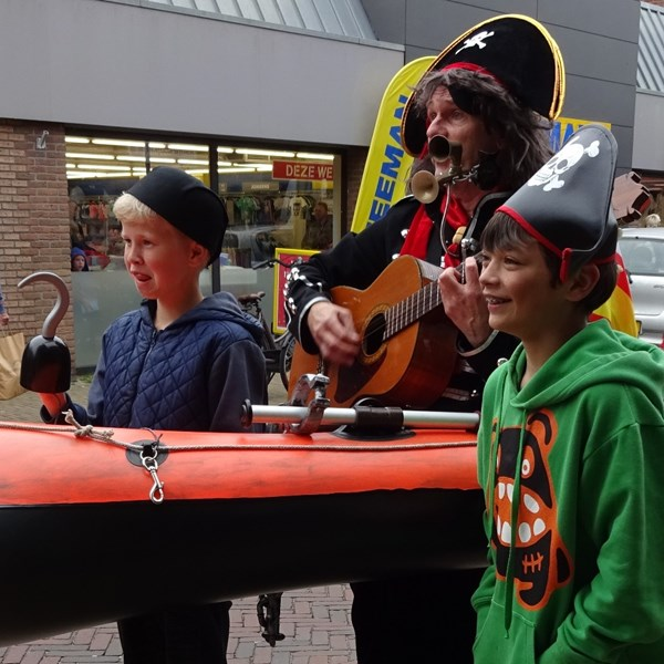 PIRATENBOOT solo 2018-05-19 (40)v (1000x1000).JPG
